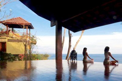 playa montezuma yoga retreat