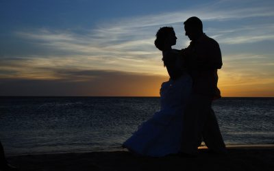 The Ultimate, Can't-Miss Checklist for Your Tamarindo Destination Wedding